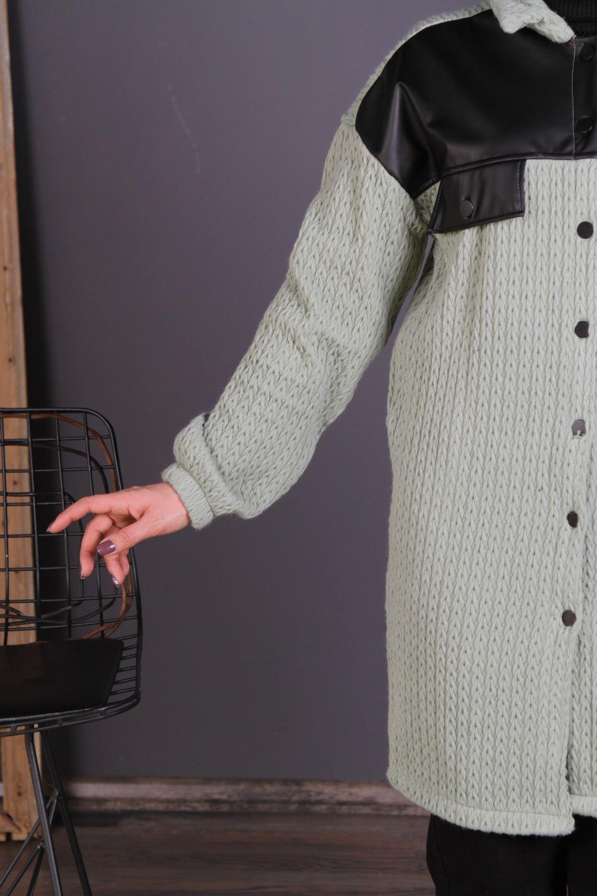Kadın Çelik Örgü Düğmeli Kap - Çağla